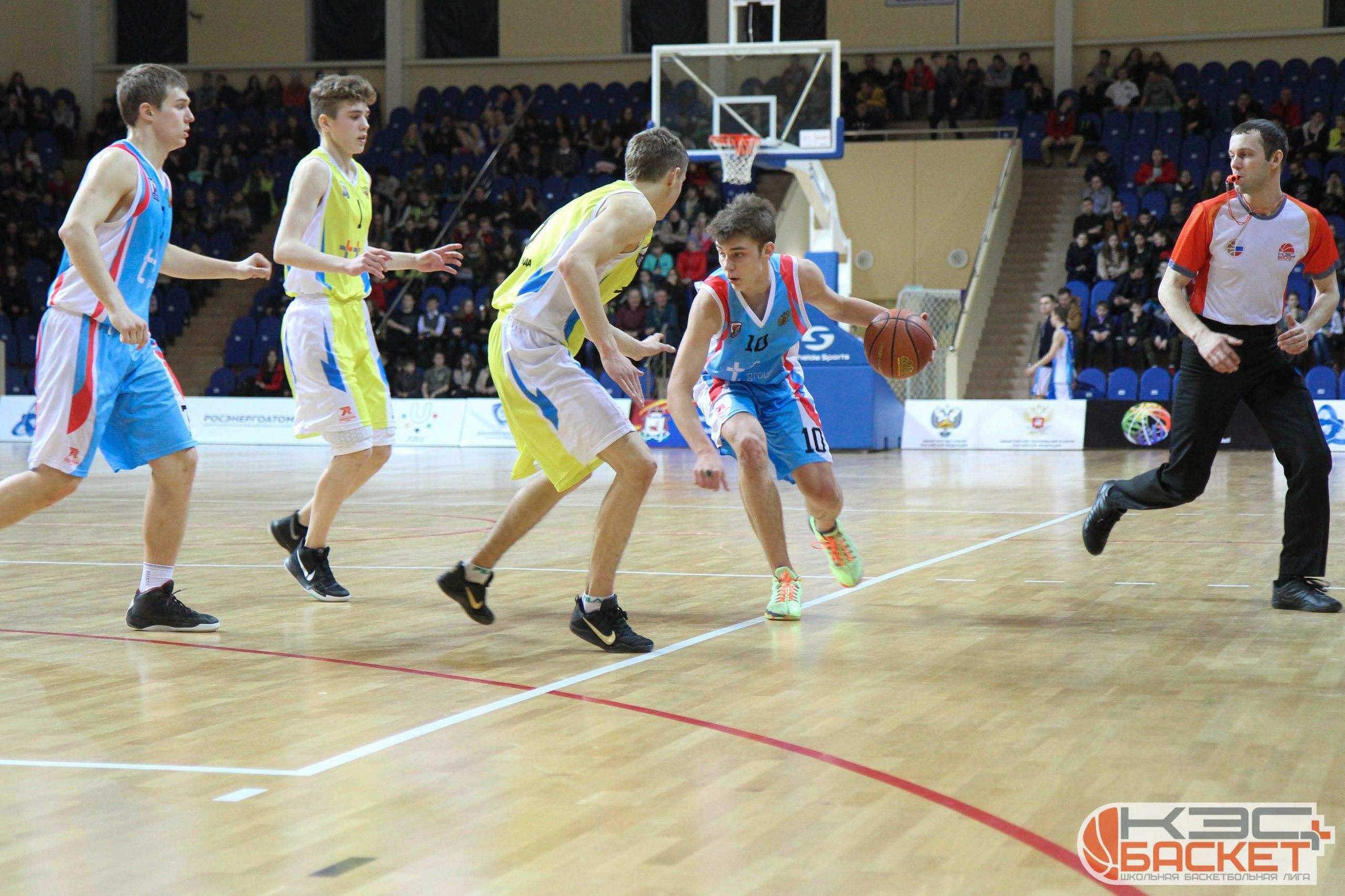 Подарок на юбилей баскетбольной команде букет из шариков детский в городе тюмень доставкой