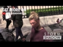 EXCLUSIVE׃ Hailey Baldwin goes shopping on Avenue Montaigne in Paris