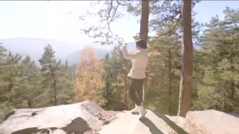 Скелі Довбуша над Яремче - Найкрасивіша карпатська схованка _ Україна вражає