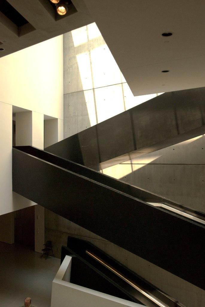 Интерьеры Луис и Ричард Розенталь-центра современного искусства.