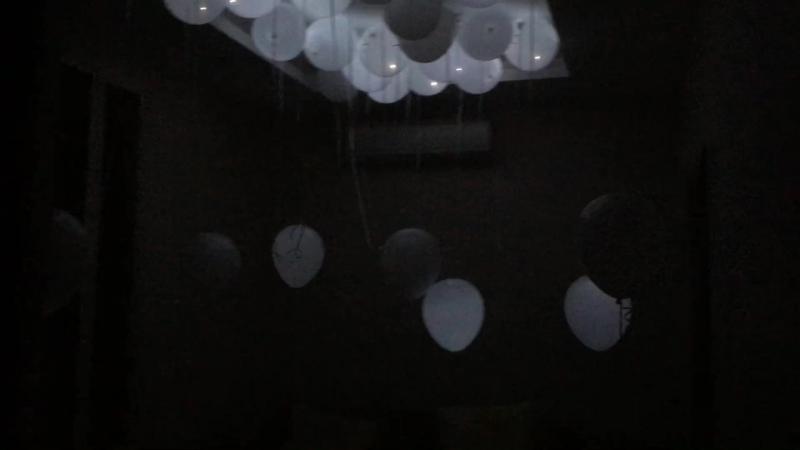 Светящиеся шары (белый шар, белый диод, мигание)