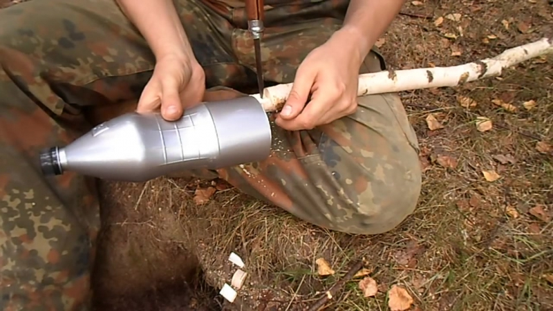 КАК С ПОМОЩЬЮ НОЖА СДЕЛАТЬ ВЕРЁВКУ ИЗ БУТЫЛКИ How to make survival rope from PET bottle with knife only