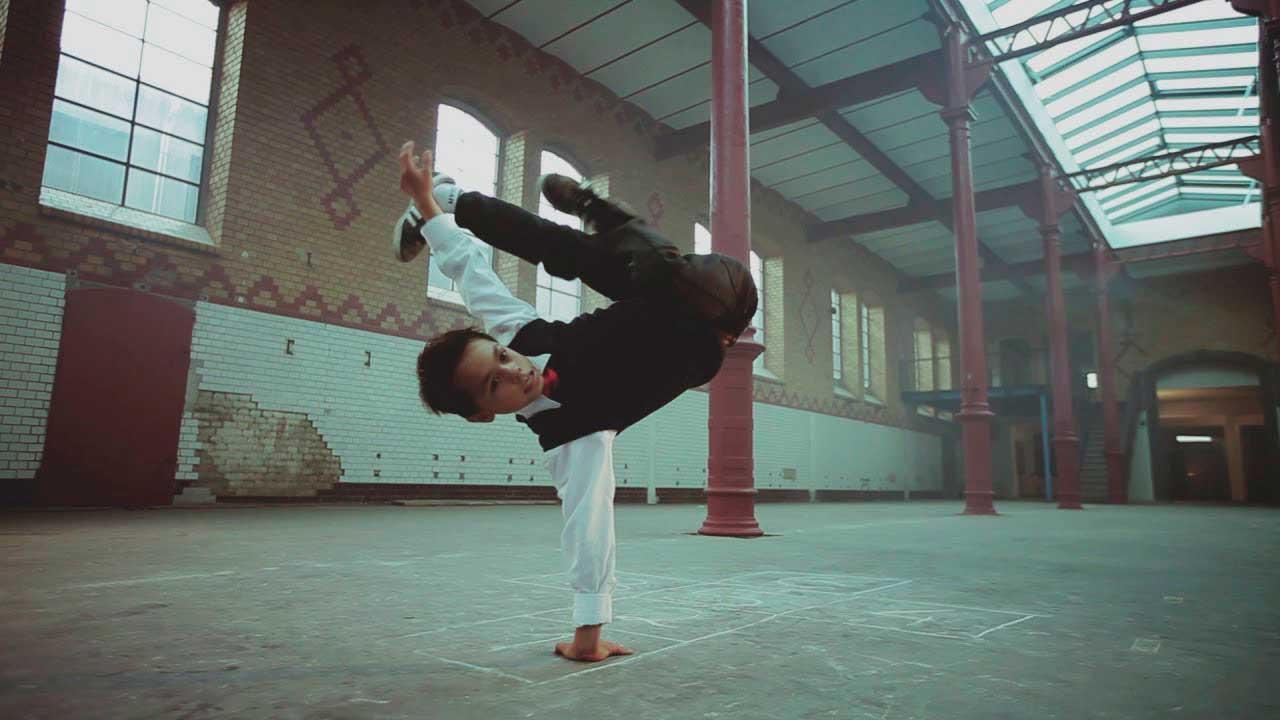 """Кіно, під яке танцюють: в """"Родині"""" до дня танцю відбудеться фестиваль короткометражок """"Танцююча камера"""""""
