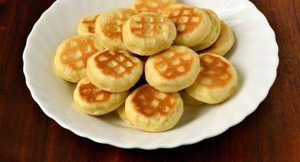 Печенье на сковороде Ингредиенты: -3 ст. л. масло подсолнечное