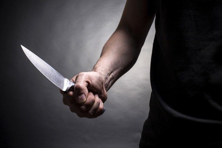 Раннее судимый 36-летний таганрожец нанес ножевое ранение женщине