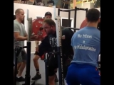 Чэд Уэсли Смитт, приседания 400 кг на 2 раза