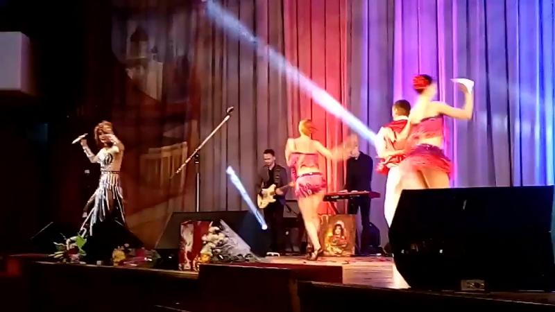 Потанцуем друзья под песню Евгения Ширяева