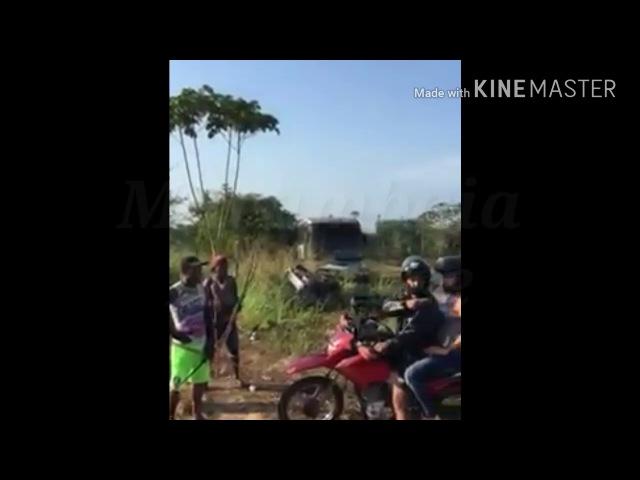 Policial tentou furar o bloqueio dos índios em uma barreira no Pará