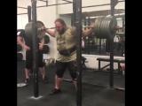Чэд Уэсли Смитт, приседания 383 кг на 2 раза