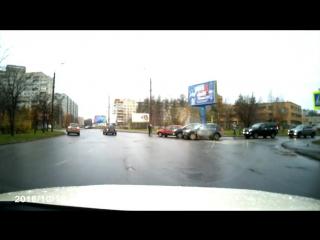 ДТП выезд с Нагорной на кольцевую пл. Дружбы Народов