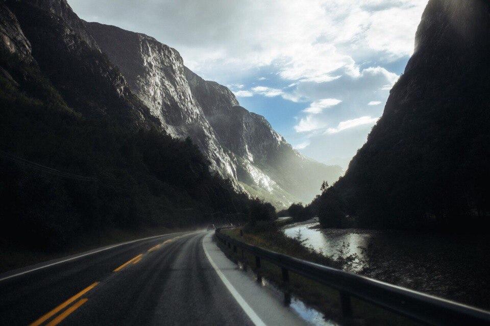 Роскошные пейзажи Норвегии - Страница 37 HtSNbuteOoU