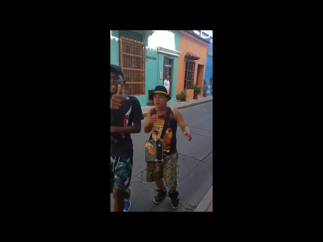 Amazing freestyle in the streets by 2 kids from Colombia Yorday Martínez Jhonxitho Acevedo