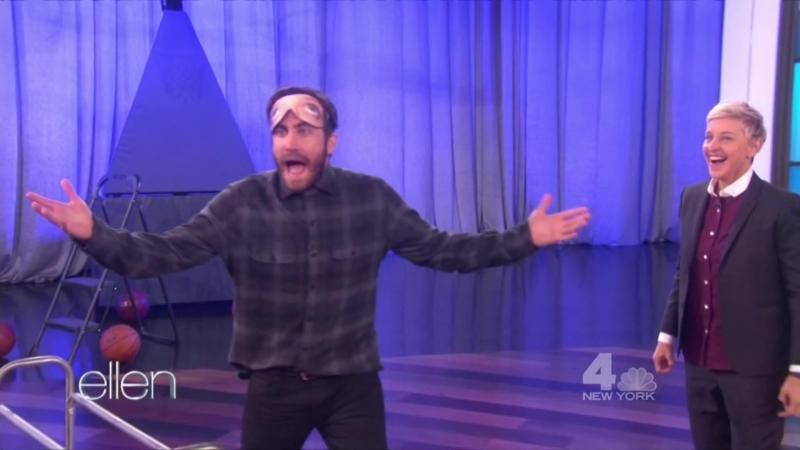 Джейк Джилленхол и игра в баскетбол с закрытыми глазами («The Ellen DeGeneres Show») - 01.11.2016