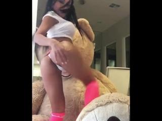 У азиаточки просто нереально классная фигура идеальное тело стройная упругая подтянутая жопа попка сиськи молодая порно секс