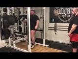 Эдди Холл - присед 350 кг на 4 повтора без экипировки