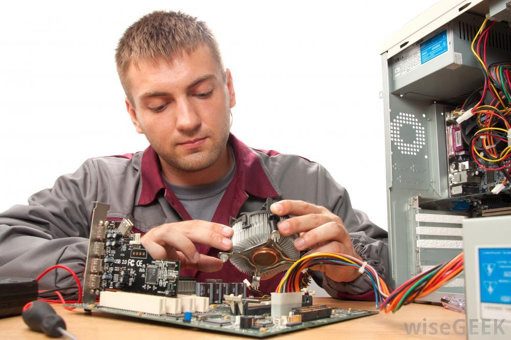 Специалисты по ремонту компьютеров