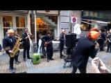 Ска-панк концерт на улице в Бильбао