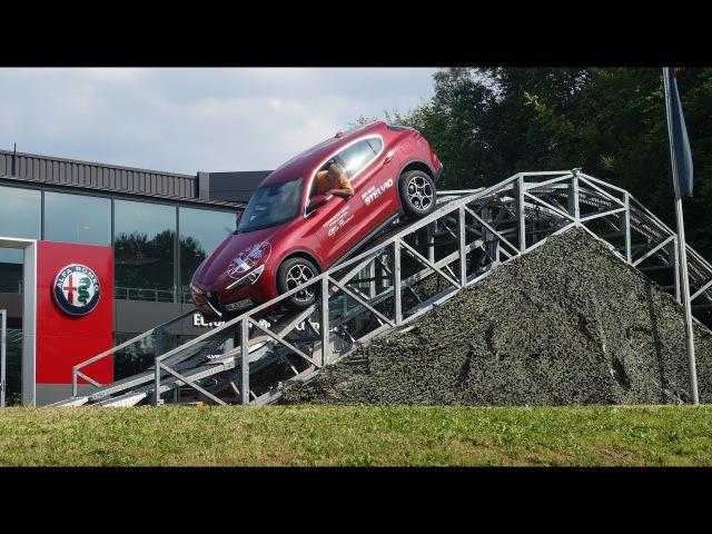 Onlinemotor Alfa Romeo Stelvio offroad bei European Motor Company in Lüdenscheid