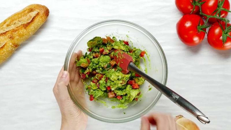 Balsamic Crostini with Strawberry Guacamole - Just Recipes