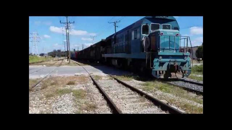 Ferrocarriles de Cuba HD Tren de carga. Habana