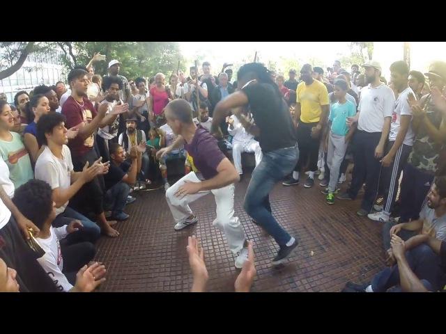 Capoeira na Praça da República SP - 14 de agosto de 2017 - Parte 5 - Mestre Edan e Arthur Fiu