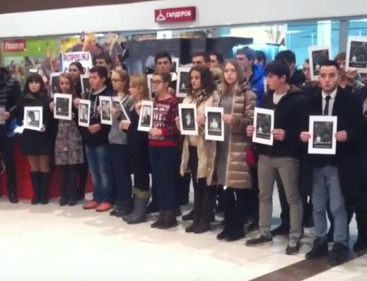 Они пели и спасали людей ради мира на Земле: Песенный флешмоб в память о Ту-154