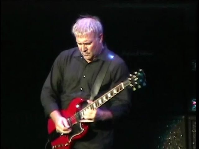 RUSH - Live at The Radio City Music Hall in New York City (part 2/3) - 2004/08/18 - R30 Tour