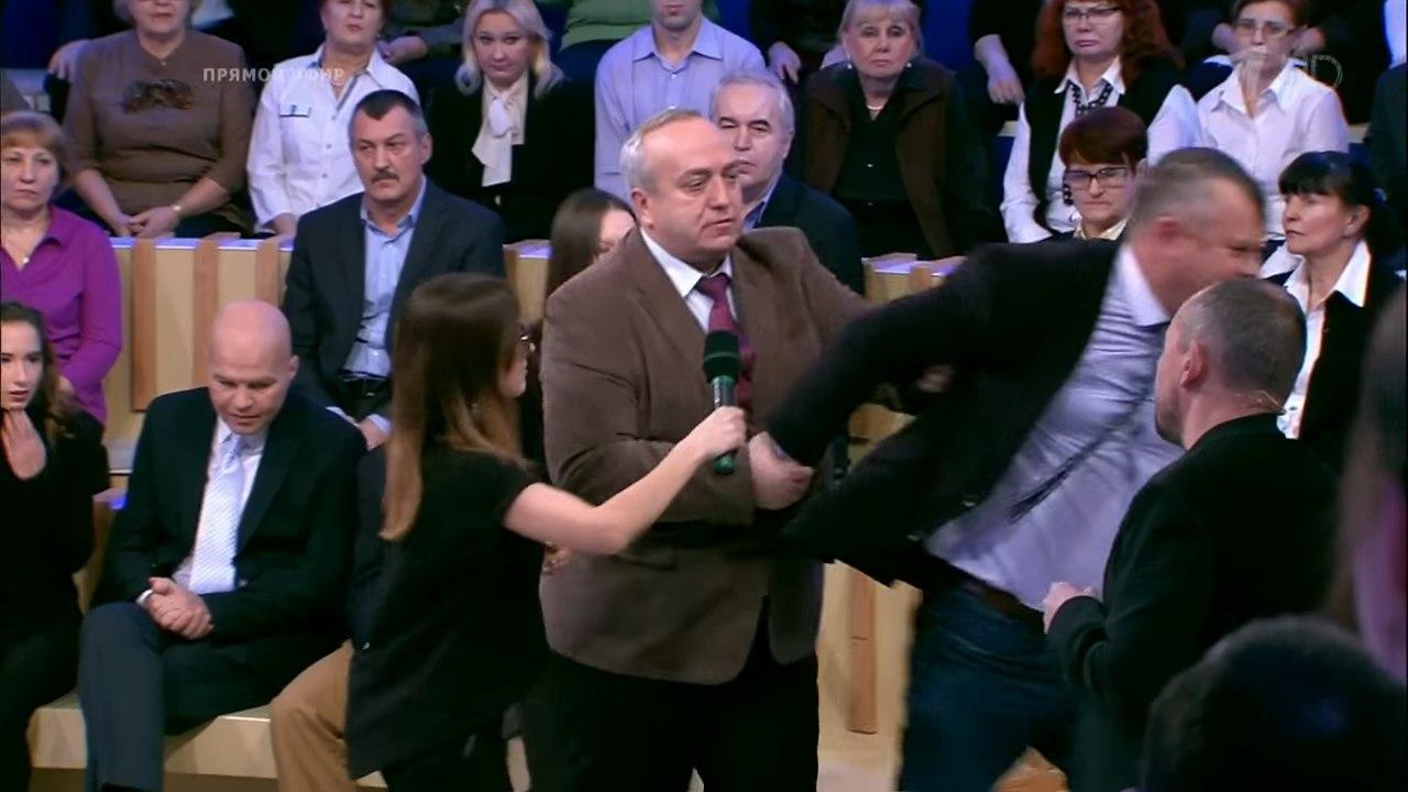 Сенатор в эфире выгнал украинского политолога за неуважение к гибели Ту-154