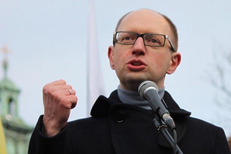 Яценюк объявил свою партию с однопроцентным рейтингом «гарантом обороны и обновления Украины»