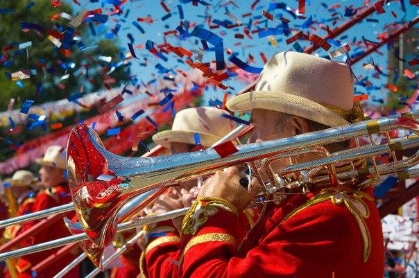 Парад духовых оркестров