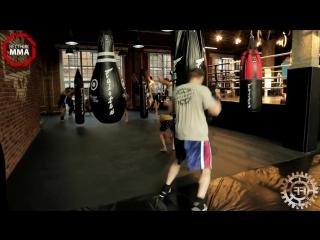 Работа по этажам со сменой дистанции через защитные действия - обучающее видео мма _ бокс