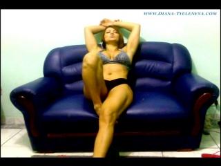 475 pumping biceps on webcam
