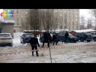 Приколы нашего городка на 23 февраля: архангельская братва вышла на уборку снега