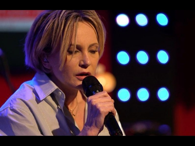 Patricia Kaas - Adèle (Live) dans le Grans Studio RTL