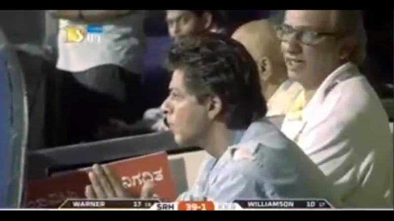 Shah Rukh Khan at Bengaluru Stadium SRH v KKR match 1