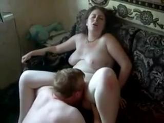 Порно с алкашом онлайн рената трахает парень