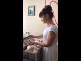 Директор фонда, @elenasolntsevladoshkakh Елена Алексеевна, делает обзор полученых посылок. Выражаем огромную благодарность всем рукодельницам за присланные рукоделия в дар. Творчество послужит на благо больным деткам. #бфсолнцевладошках #благотворительныеярмарки #работавдар#рукоделия
