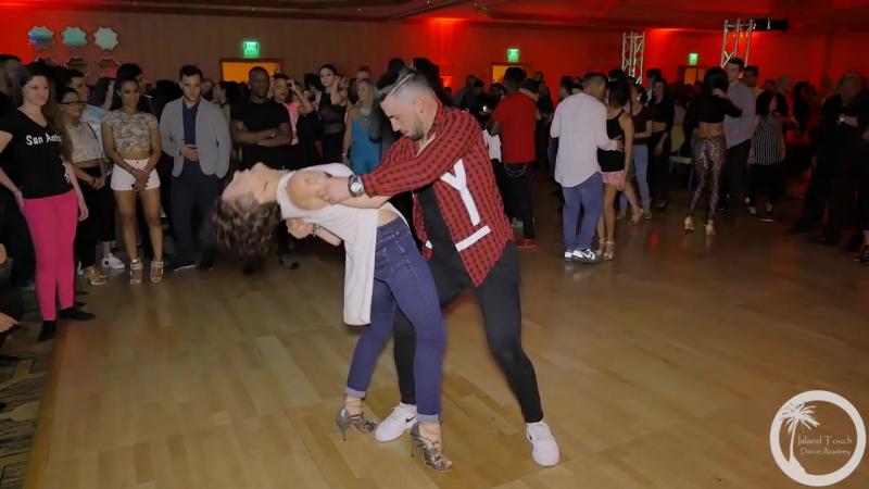 Salseras Dancing Bachata