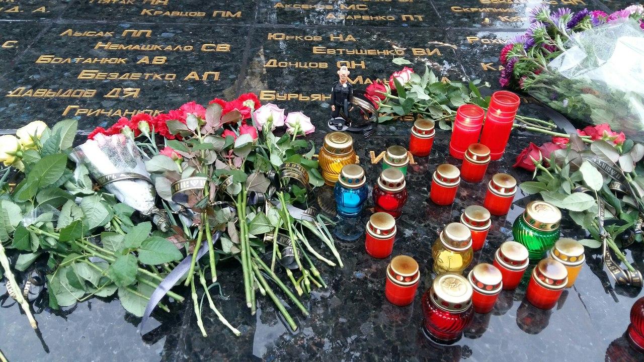 У Харкові близько 100 патрульних вшанували пам`ять загиблих у Дніпрі колег - фото 3