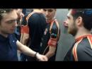 За кулисами перед матчем. VP провожают Team Empire на сцену.