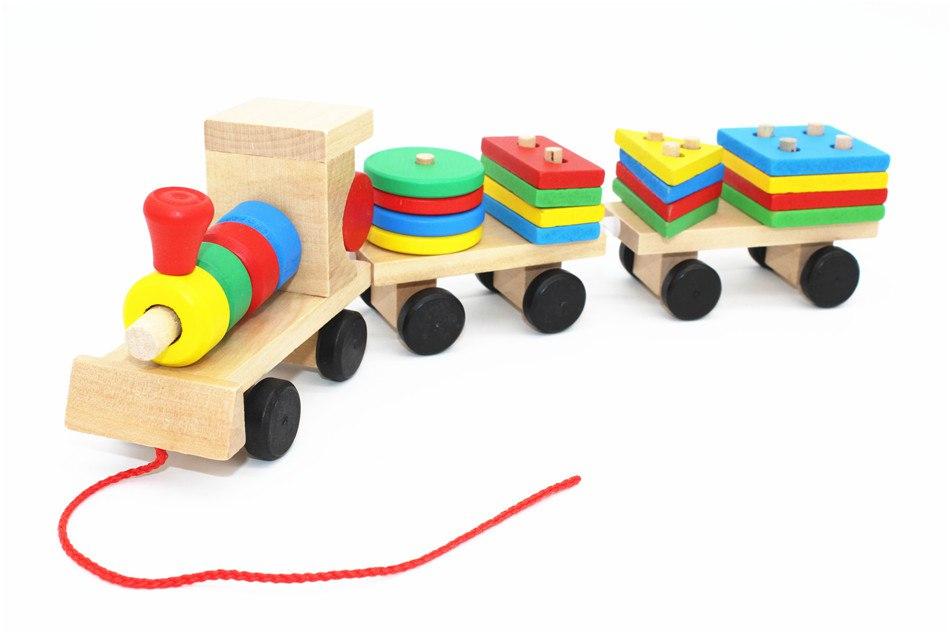 Деревянный поезд Монтессори