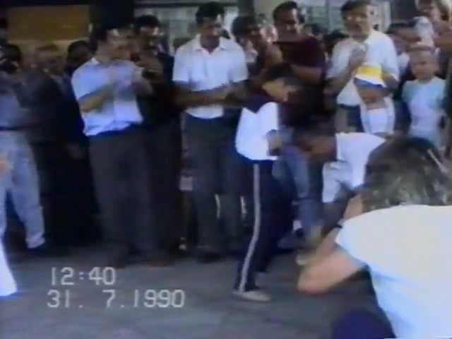 1990 илъэс: Мыекъуапэ адыгэхэр щызэрэугъоигъэх. Джэгу.
