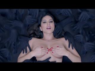 Клип из Фильма: Последняя запись 2 / Видеосъёмка 2 / Ragini MMS 2 (2014) - Baby Doll (Санни Леоне / Sunny Leone)