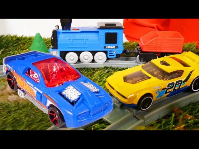 🚗 JUEGOS DE CARRERAS DE COCHES 🚗 El carro azul se atrancó en el ferrocarril