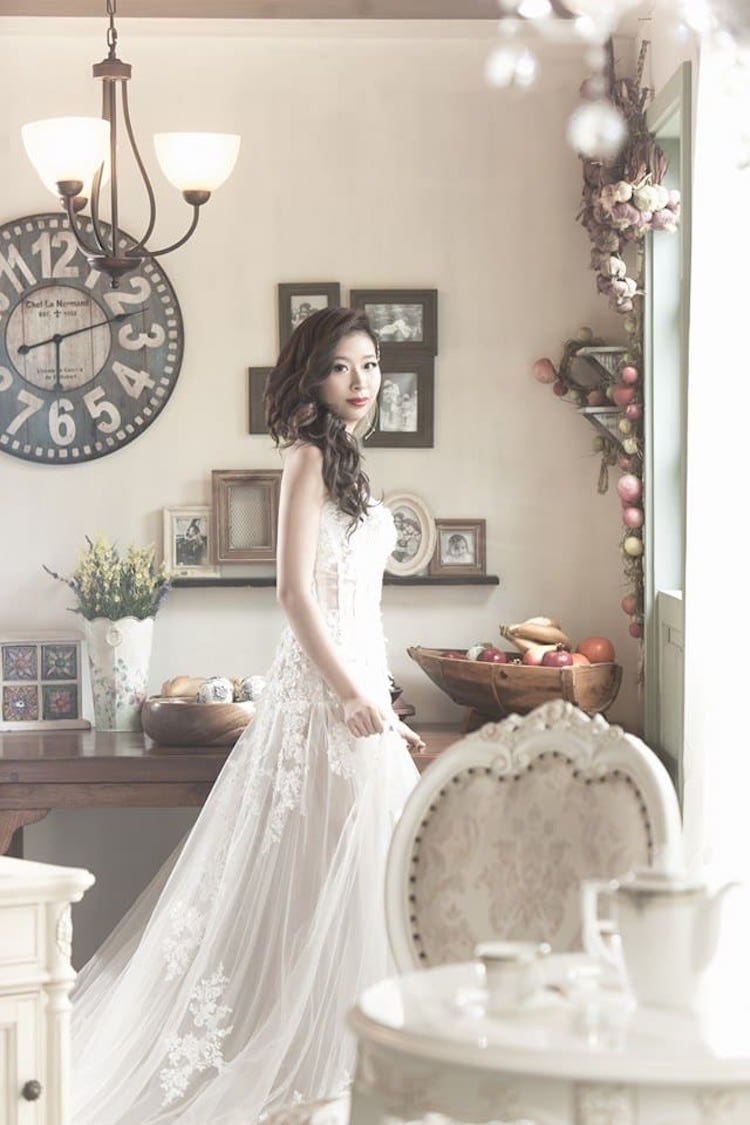 В образе невесты: свадебная фотосессия Ку Мая Чень. Ведущий на свадьбу в Волгограде, организатор романтических событий и торжеств. Павел Июльский : +7(937)-727-25-75 и +7(937)-555-20-20