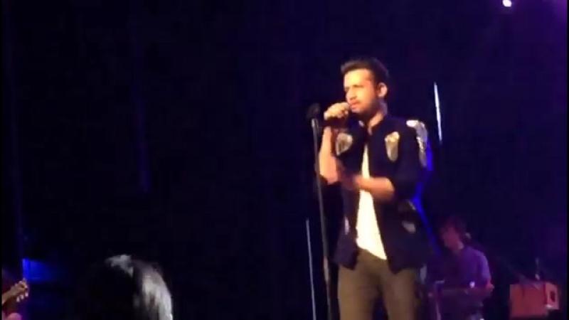 Atif Aslam Live in Concert in Amsterdam the Netherlands May 2017 Hum Kis Galli Ja Rahe Hain