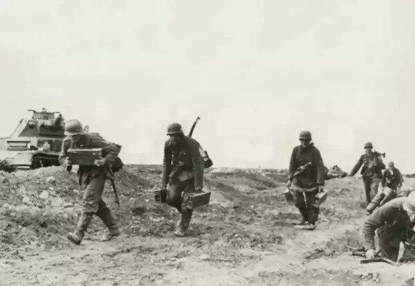 Немецкие солдаты под Киевом