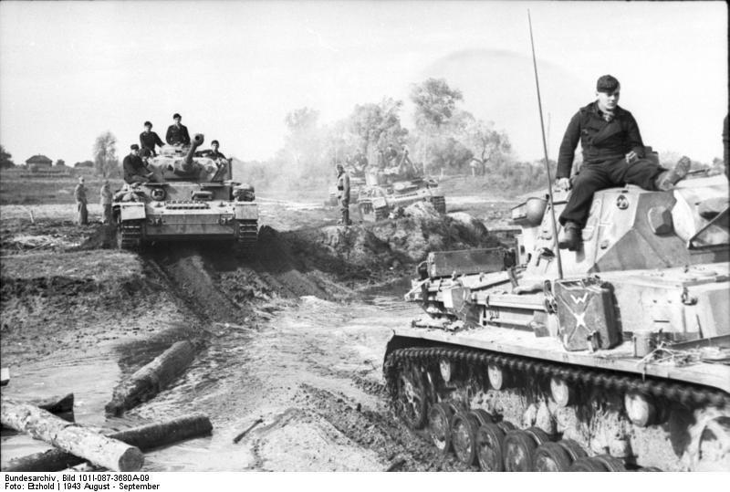 Pz IV, танки 12 -й танковой дивизии Курск (август 1943 г.)