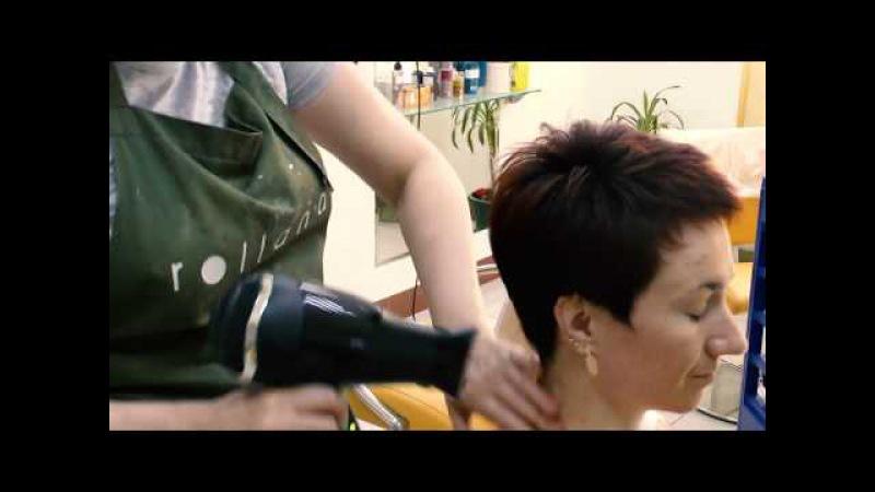 Как подстричь короткую женскую стрижку БРИТВОЙ Short women s haircut with a razor TUTORIAL