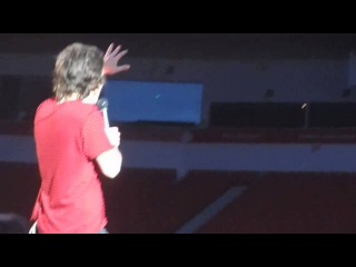 Harry Styles coughing and falling over - 28.5.2014